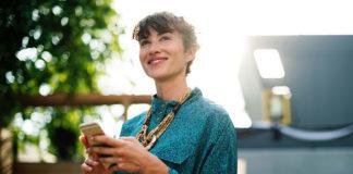 Czy można wykorzystać kontakt wzrokowy do budowania zaufania?